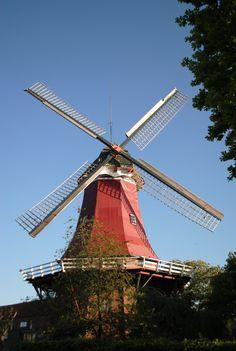 Rote Mühle, Greetsiel, Krummhörn, Ostfriesland, Nordsee (Foto: M. Leist)