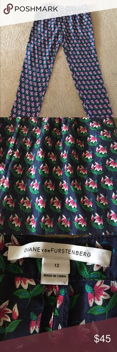 Diane von Furstenberg pants size 12 Beautiful DIANE von FURSTENBERG flower pants size 10 blue pink and green Diane Von Furstenberg Pants