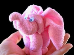 Learn how to make adorable Baby Washcloth Elephants in a few short minutes. We've included a video tutorial for you plus Washcloth Puppies.