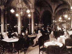 Café Central Wien um 1900 (Only male patrons? Coffee Shops, Cafe Central, Vienna Cafe, Fashion Forever, Vienna Austria, Old London, Belle Epoque, Old Pictures, Travel Around The World