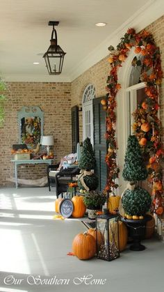 Needing ideas on how to decorate that front porch for fall? Come by and check out these fall porch decor ideas for a little inspiration!