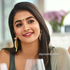 South Indian Actress Photo, Indian Actress Hot Pics, Bollywood Actress Hot Photos, Indian Bollywood Actress, Bollywood Girls, Bollywood Saree, Bollywood Fashion, Indian Actresses, Beautiful Girl Indian