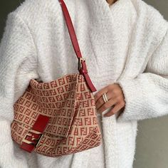Find images and videos about fashion, style and outfit on We Heart It - the app to get lost in what you love. Fashion Bags, Fashion Accessories, Womens Fashion, Fashion Ideas, Fashion Fashion, Fasion, Fashion Clothes, Latest Fashion, Fashion Beauty