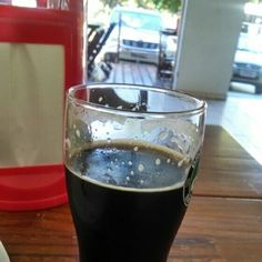 Cerveja Dwarf Oatmeal Stout, estilo Oatmeal Stout, produzida por  Cervejaria Caseira, Brasil. 5.7% ABV de álcool.
