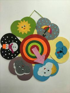 DIY Sensory play game board for baby and toddlers - Activity Board Selber Machen - Kids Crafts, Toddler Crafts, Felt Crafts, Arts And Crafts, Preschool Classroom, Classroom Decor, Preschool Activities, Class Decoration, School Decorations