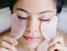 Your Go-To Resource for Natural Beauty Tips and A Sustainable Lifestyle Made in Tuscany! Gua Sha Massage, Face Massage, How To Do Facial, Relieve Sinus Pressure, Gua Sha Facial, Under Eye Bags, Massage Tools, Natural Beauty Tips, Clean Beauty