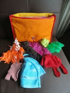 tenues pour le loup qui voulait changer de couleur Teaching French, Preschool, Creations, Album, Blog, Kids, Plushies, Projects, Crafts