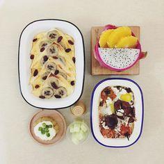 good morning typhoon☁️☔️☁️ monday :-0))) #goodmorning #morning #breakfast #yummy #goodfood #instafood #onthetable  #homemade #foodie #foodstagram #foodphoto #yum #top_food_of_instagram #S_S_iloveBreakfast #朝食 #早餐 #朝ごパン #puddingbread #烘培 #baking #banana_pudding_bread #roasted_butter_fetacheese_tomato_eggplant #pitaya_orange