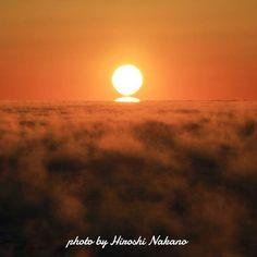 【e.baroque.9】さんのInstagramをピンしています。 《2月3日 切り離れる瞬間  #鹿児島県#東串良町 #柏原海岸 #朝焼け #日の出#エクストリーム出社 #朝陽#sunrise#だるま朝陽#海 #けあらし#気嵐 #pics_jp #japan_of_insta #japan_daytime_view #japan_photo_now  #phos_japan #team_jp_  #ig_myshot #icu_japan  #instagramjapan #東京カメラ部 #loves_nippon #ファインダー越しの私の世界  #写真撮ってる人と繋がりたい  #写真好きな人と繋がりたい》
