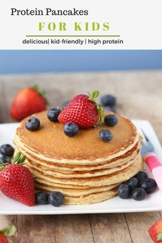 Cottage Cheese Protein Pancakes made with whole wheat flour and topped with fresh fruit! The perfect healthy breakfast every kid will love! Best Healthy Pancake Recipe, Pancake Recipe For Kids, Pancake Recipes, Baby Recipes, Family Recipes, Cheese Recipes, Family Meals, Kids Meals, Pancake Proteine