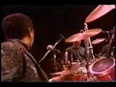 Milton Nascimento - Bola de Meia, Bola de Gude (live in Montreal)