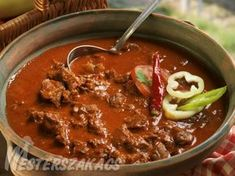Bográcsos marhalábszár Food 52, Chili, Grilling, Cooking Recipes, Favorite Recipes, Beef, Fish, Meals, Cook Books