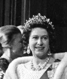 Royal Jewels of the World Message Board: Re: The photographer's collection - The plunket tiara