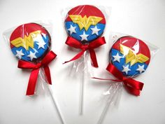 Gold Birthday Party, Birthday Party Outfits, Superhero Birthday Party, Birthday Parties, Wonder Woman Birthday Cake, Wonder Woman Party, Birthday Woman, Baby Halloween Outfits, Halloween Party Decor