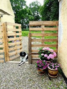 pallet fence, fences, outdoor living, pallet projects, repurposing upcycling