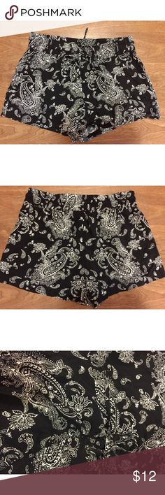 Paisley Soft Shorts Be comfy and look cute on your night out, all at the same time! Super comfy shorts with a stretchy waistband. Ties at the top. Size medium. Would fit a small as well- for a more flowy look. Shorts have very light wear. Shorts