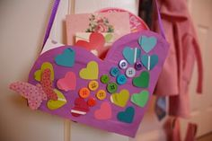 Re-Cycled Cereal Box Valentine Baskets. Lovely activity for a gift for Valentine's day