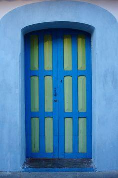 Color color everywhere Cool Doors, Unique Doors, Stairs Window, Doorway, Arched Doors, Windows And Doors, Open Door Policy, When One Door Closes, Painted Front Doors