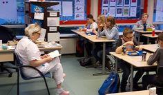 De kinderen kwamen met lege buikjes op school en tijdens het voorlezen hebben we met z'n allen gegeten van de meegenomen ontbijtjes. Het thema van het voorleesontbijt was dit jaar 'zorg'. In elke groep kwam er iemand uit de zorg voorlezen.  Lees verder op onze website.