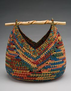 Basket weaving rope diy New Ideas Rope Basket, Basket Weaving, Weaving Art, Hand Weaving, Pine Needle Baskets, Woven Baskets, Fabric Bowls, Rope Crafts, Sewing Crafts