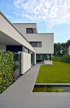 Stylish and Minimalist Home by CKX architecten Architecture Résidentielle, Classical Architecture, Model House Plan, Mansions Homes, Dream House Exterior, House Goals, Classic House, Minimalist Home, Exterior Design