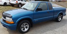 2000 Chevrolet S-10 Ext. Cab with Slim Line Bed Cover