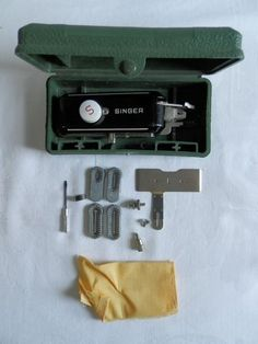 SINGER Featherweight 221 BUTTONHOLER Complete Attachment +Templates 160506 Low