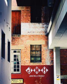 Brissy coffee #johnmillshimself #coffee #brisbane #brissy #australianarchitecture #architecture #travel #travelgram #latergram #canon100d #eos100d #canoneos100d #wanderlust #vscocam #vscoarchitecture #vscotravel