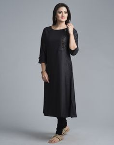 Fabindia is India's largest private platform for products that are made from traditional techniques, skills and hand-based processes. Kurta Designs, Dressed To Kill, Ethnic Fashion, Summer Wear, Indian Outfits, Traditional Outfits, My Wardrobe, Cold Shoulder Dress, Short Sleeve Dresses