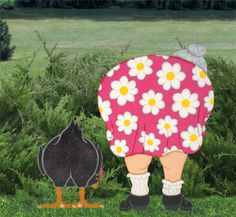 Backside Couple Woodcrafting Pattern Now you can have the entire backside family right in your very own yard! #diy #woodcraftpatterns