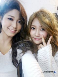 AOA-Seolhyun & Yuna lookin' cute!