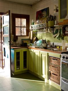 Lime green kitchen (cocina verde)