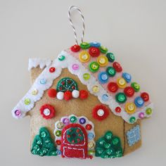 Down Grapevine Lane: Tutorial: Gingerbread House Ornament with pattern