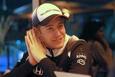 Het was een loodzware zaterdag voor Stoffel Vandoorne, in Bahrein. 's Ochtends zwaar onder druk gezet door die voor de F1 typische geruchtenmolen, dan...
