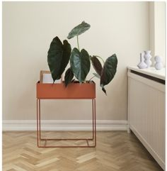 Ferm Living plantenbox oker  SHOP ONLINE: http://www.purelifestyle.be/shop/view/home-living/woonaccessoires-decoratie/ferm-living-plantenbox-oker