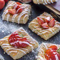 Mansikkaviinerit vievät kielen mennessään. Finnish Recipes, Muffins, Sweet Pastries, My Best Recipe, Food Humor, Sweet Cakes, Dessert Recipes, Desserts, I Love Food
