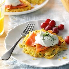 30 Breakfast Recipes Under 300 Calories Hash Brown Pancakes with Smoked Salmon . 30 Breakfast Recipes Under 300 Calories Hash Brown Pancakes with Smoked Salmon & Dill Cream Salmon Recipes, Seafood Recipes, Cooking Recipes, Seafood Meals, Seafood Dinner, What's Cooking, Potato Recipes, Dill Salmon, Smoked Salmon