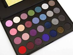 BH Cosmetics 28 Color Palette Smoky Eyes Edition (CLICK for swatches & review!) Got this for $8 on HauteLook! | #andazelenca