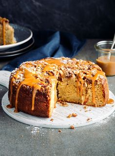 Packed with aromatic spices, nuts, honey and fruit, there's a lot to like about this cake recipe. Top it with dulce de leche for total indulgence. Funnel Cakes, Spiced Nuts, Spiced Apples, Dessert Crepes, Dessert Bars, Biscotti, Baking Recipes, Cake Recipes, Brownies