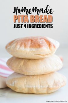 10 Most Misleading Foods That We Imagined Were Being Nutritious! Did You Know You Can Make Homemade Pita Bread With Just Four Ingredients That You Likely Have In Your Pantry? Pita Recipes, Easy Bread Recipes, Cooking Recipes, Gluten Free Pita Bread, Vegan Pita Bread Recipe, Sourdough Pita Bread Recipe, Arabic Bread, Homemade Pita Bread, Homemade Bagels