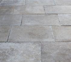 Reclaimed Barr Montpellier - French limestone