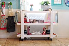 Love this DIY Rolling Kitchen Cart! #diy #kitchen #decor