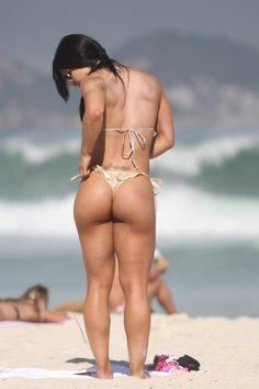 1ago2013---modelo-e-bicampea-de-body-fitness-eva-andressa-exibe-corpao-durante-dia-ensolarado-na-praia-da-barra-da-tijuca-no-rio-de-janeiro-1375387306739_800x1200.jpg (800×1200)