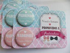 Convide seus padrinhos com um mimo!  buttons de 45mm com imã  Pode ser feitos individuais, no caso de padrinhos solteiros  Mimo também para os pais dos noivos.