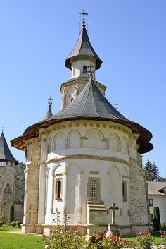 Church of the Assumption of the Holy Virgin at Putna Monastery - Putna, Romania Sacred Architecture, Religious Architecture, Church Architecture, Bulgaria, Cathedral Church, Thinking Day, Chapelle, Place Of Worship, Kirchen