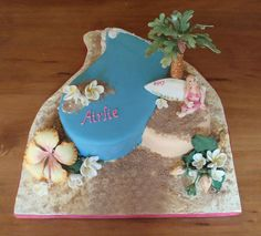 Airlie's beach cake by Torki's Sugar Art, via Flickr