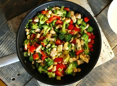 A legfinomabb brokkolis csirke a Street Kitchentől Kung Pao Chicken, Cobb Salad, Salsa, Side Dishes, Food And Drink, Mexican, Ethnic Recipes, Kitchen, Chicken