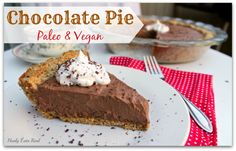 My paleo vegan chocolate pie is the perfect dessert to serve to guests. Now that summer is here, it's the perfect time to invite friends for a potluck.