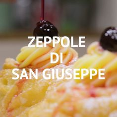 SAN GIUSEPPE WEDGES: fried and super tasty. Find out how easy it is to prepare the typical dessert of Father's Day! Potluck Desserts, Dessert Recipes, Italian Pastries, Italian Desserts, Italian Recipes, Donut Recipes, Cookie Recipes, Zeppole Recipe, Dessert Oreo