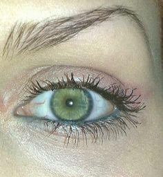 My Day Make-Up. Using Agnes b. Eye shadow & Lancome Mascara.